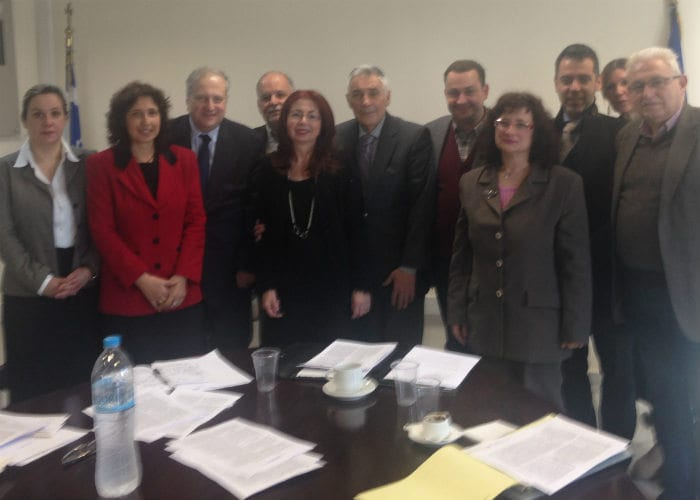 Τα μέλη της Επιτροπής για την παιδεία των Ομογενών.