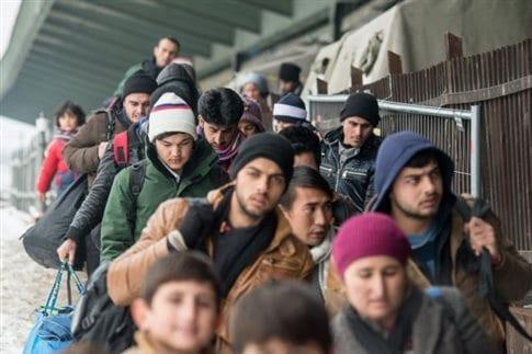 Σύροι πρόσφυγες στο Πάσαου: Η Γερμανία ελπίζει στη συμφωνία με την Τουρκία για μείωση των προσφυγικών ροών (Φωτογραφία: ΑΠΕ )
