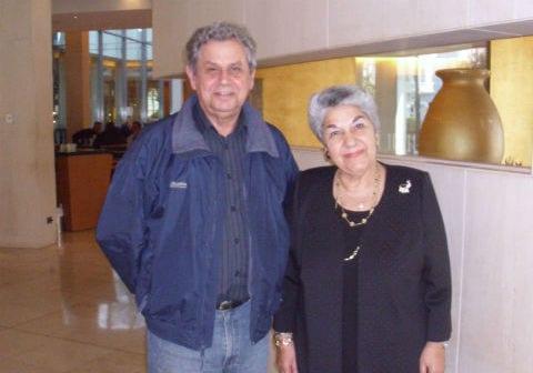 Η κυρία Στέλλα Κοκόλη με τον εκδότη-διευθυντής της Panhellenic Post Χρήστο Μαλαπίνα.